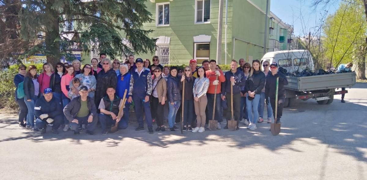 В Чебаркуле «Единая Россия» посадила липы и яблони