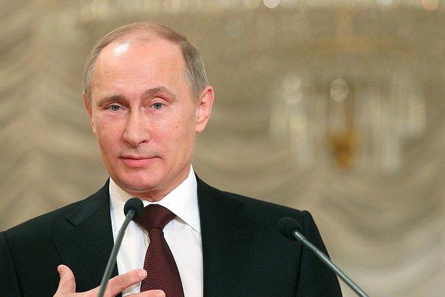 Владимир Путин посетил первый Съезд родителей, проходящий сегодня в