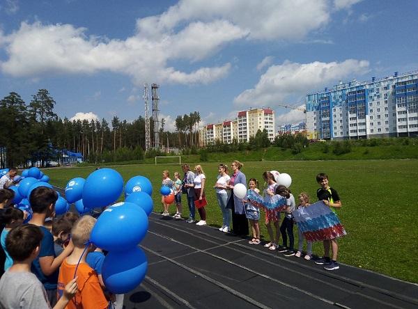 В Трехгорном единороссы поздравили юных спортсменов