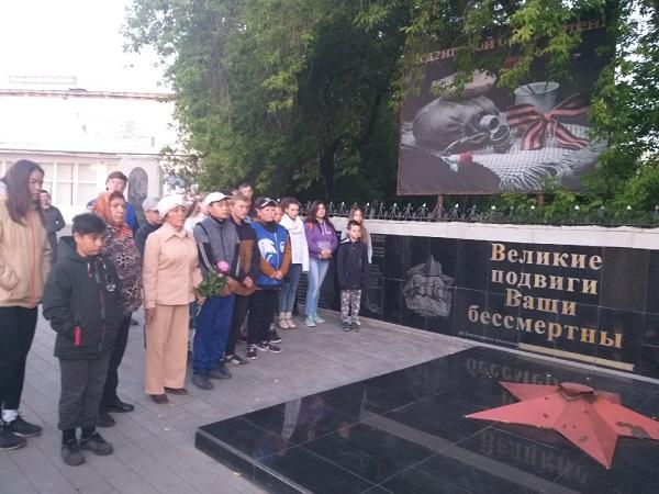 Партийцы Аргаяша приняли участие в мероприятиях ко Дню памяти и скорби