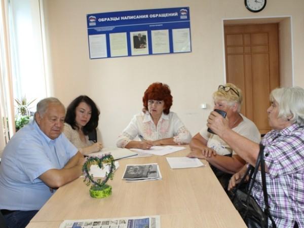 Николай Янов провёл приём граждан в Еткульском районе